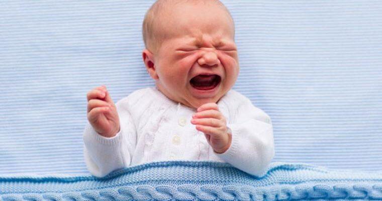 bebe llorando c 760x400 - Bebekler anne karnında neden ağlar?