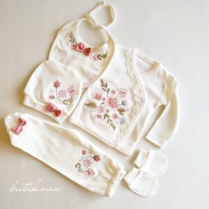 Çiçek Nakışlı Kız Bebek 5li Hastane Çıkışı 0 3 Ay 01 300x300 - Kız Bebek Çiçek Nakışlı 5'li Hastane Çıkışı/pembe 0-3 Ay