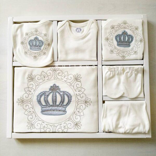 Erkek Bebek Prens Taç Süslemeli 10lu Hastane Çıkışı 03 600x600 - Erkek Bebek Prens Taç Süslemeli 10'lu Hastane Çıkışı