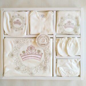 Kız Bebek Prenses Taç Süslemeli 10lu Hastane Çıkışı 01 300x300 - Kız Bebek Prenses Taç Süslemeli 10'lu Hastane Çıkışı