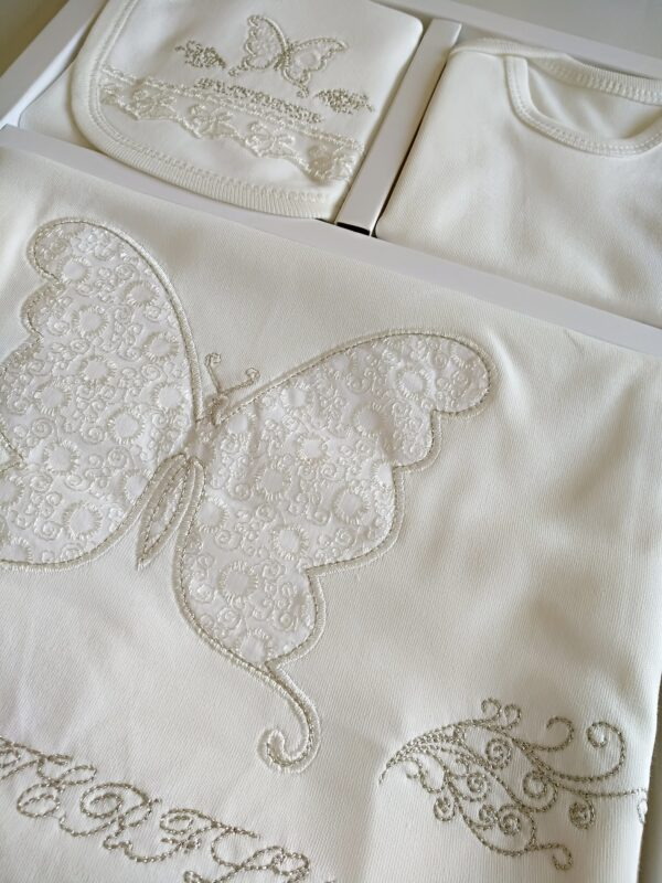 kiz bebek kelebek islemeli 10 lu hastane cikisi 03 600x800 - Kız Bebek Kelebek işlemeli 10'lu Hastane Çıkışı